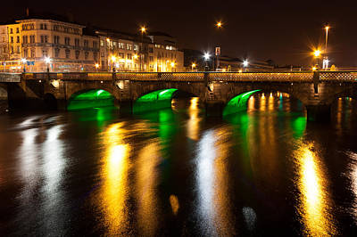 Photograph - Essex Bridge In Dublin City by Semmick Photo
