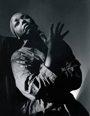 Gesture Photograph - Ethel Waters As Hagar In Mambas Daughters by Horst P. Horst