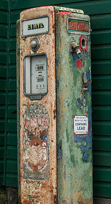 Photograph - Ethyl Vintage Gas Pump by E Faithe Lester