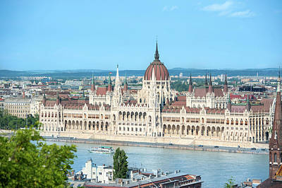 Gothic Revival Photograph - Europe, Hungary, Budapest, Parliament by Jim Engelbrecht