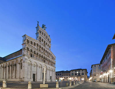 Europe, Italy, Tuscany, Lucca, Piazza Art Print