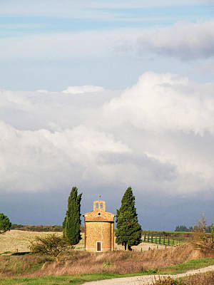 Little Chapel Photograph - Europe, Italy, Tuscany, San Quirico by Julie Eggers