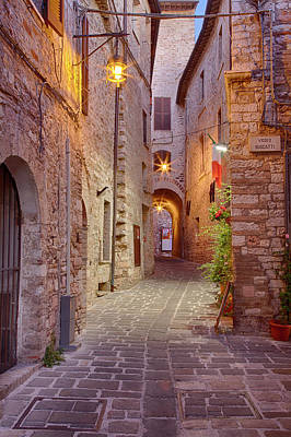 Assisi Photograph - Evening Light Along A Back Alley by Terry Eggers