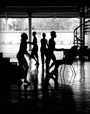 Photograph - Everybody Dancing by Valentino Visentini