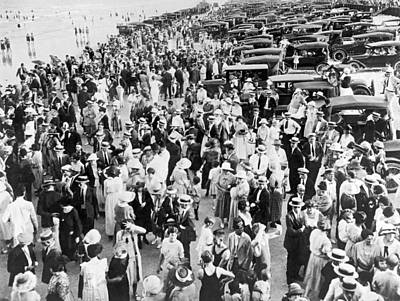 Crowd Scene Photograph - Everybody Is At The Beach by Underwood Archives
