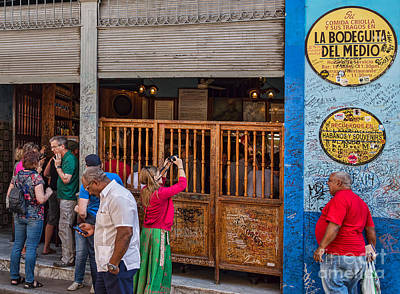 Photograph - La Bodeguita In Havana - Good Time For All At Hemmingway Bar by Les Palenik