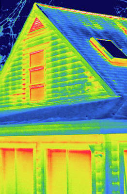 Thermogram Photograph - Exterior Of A House During Winter by Science Stock Photography