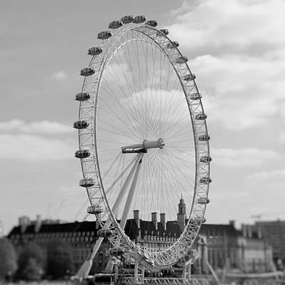 Eye Of London Art Print by Gary Smith