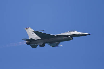 Airshow Photograph - F-16 Fighting Falcon by Adam Romanowicz