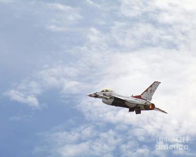 F-16 Thunder Art Print