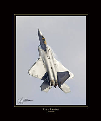 Photograph - F-22 Raptor Tailwalking by Larry McManus