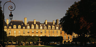 Facade Of A Building, Place Des Vosges Art Print by Panoramic Images