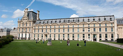 Facade Of A Museum, Musee Du Louvre Art Print