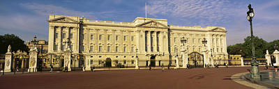 Buckingham Palace Photograph - Facade Of A Palace, Buckingham Palace by Panoramic Images