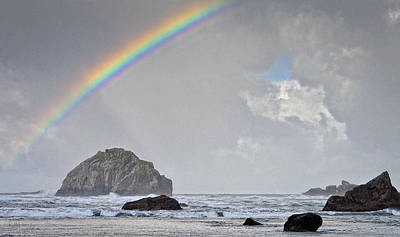 Photograph - Face Rock Rainbow by Kevin Munro