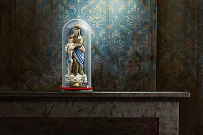 Hyperrealism Painting - Fading Glory by Mark Van crombrugge