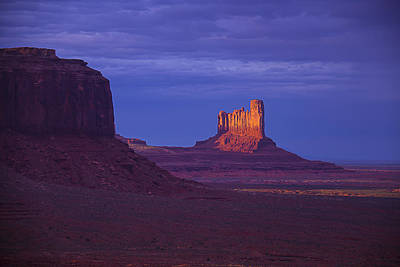 Photograph - Fading Light Monument Valley by Garry Gay