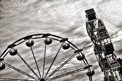 Zipper Photograph - Fairground by Olivier Le Queinec