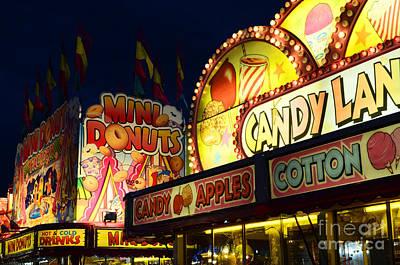 Yoyo Photograph - Fairgrounds Fun 2 by Bob Christopher