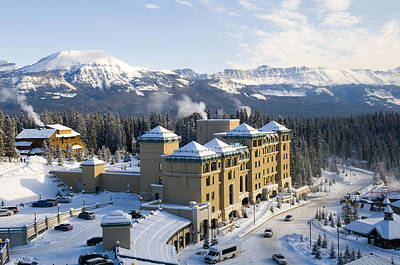 Fairmont Chateau Lake Louise Art Print