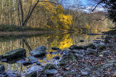 Photograph - Fall Along The Scenic River by David Dufresne