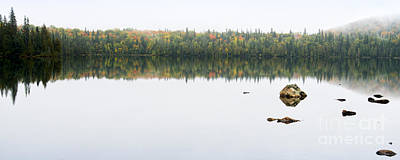 Photograph - Fall Colors On A Calm Lake In Northern Ontario by Les Palenik