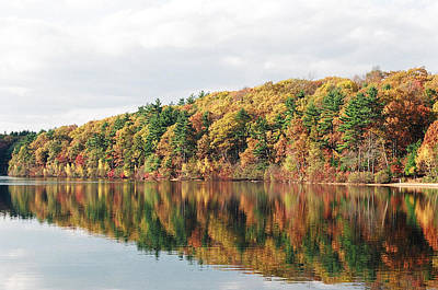 Fall Foliage At Walden Pond Art Print by John Sarnie