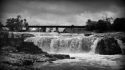 White And Black Waterfalls Photograph - Falls Of The Big Sioux by Stephen Stookey