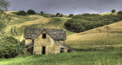 Contour Farming Photograph - Family House by Latah Trail Foundation