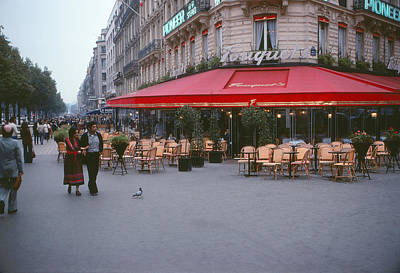 Paris Skyline Photograph - Famous Paris Restaurant - Fouquet's by Roy Williams
