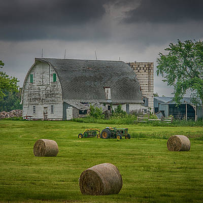 Country Scenes Photograph - Farm Scene by Paul Freidlund