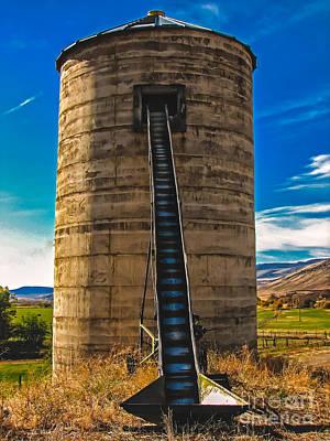 Photograph - Farm Silo by Robert Bales