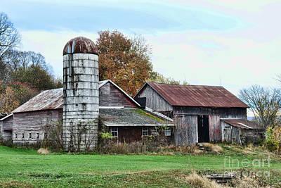 Farm - The Old Barn Art Print