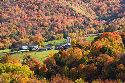 Photograph - Farm With A Foliage View by Jeff Folger