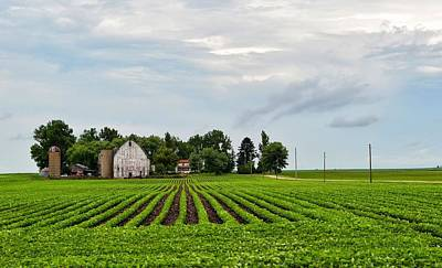 Photograph - Farmhouse by Tom Druin