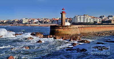 Photograph - Farol Do Molhe - Molhe Lighthouse - O Porto - Northern Portugal by Carlos Alkmin