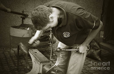 Photograph - Farrier Beginning Horseshoe by Liz Leyden