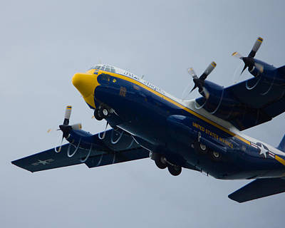 Photograph - Fat Albert Drawing Spirals Of Air by Jose Oquendo