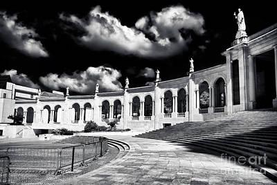 Photograph - Fatima Saints by John Rizzuto