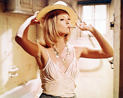 Bonnie And Clyde Photograph - Faye Dunaway In Bonnie And Clyde  by Silver Screen