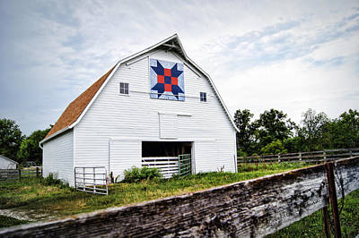 Barn Quilts Photograph - Fayette Farmers Daughter Quilt Barn by Cricket Hackmann