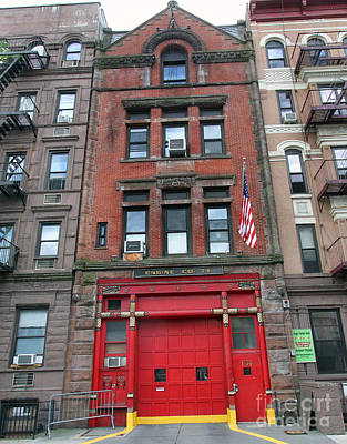 Photograph - Fdny Engine 74 Firehouse by Steven Spak