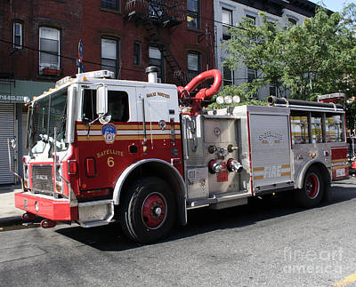 Photograph - Fdny Satellite 6 - Maxi Water by Steven Spak