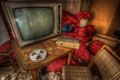 Digital Art - Feed Tv by Nathan Wright