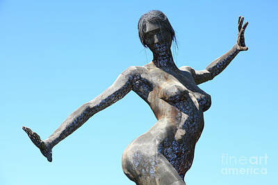 Female Sculpture On San Francisco Treasure Island 5d25349 Art Print by Wingsdomain Art and Photography