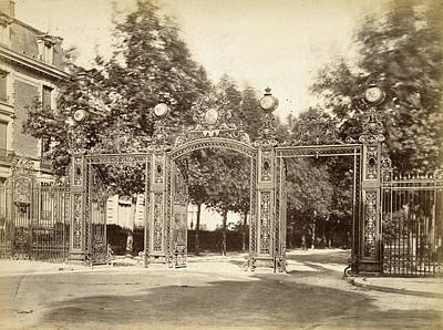 Fence Drawing - Fence Of The Parc Monceau In Paris, France by Artokoloro
