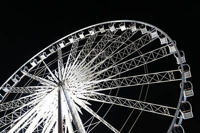 Photograph - Ferris Wheel by Nawarat Namphon