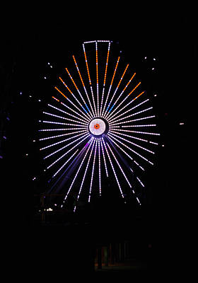 Photograph - Ferris Wheel Santa by Greg Graham