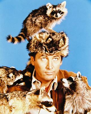 Davy Crockett Photograph - Fess Parker In Davy Crockett, King Of The Wild Frontier  by Silver Screen