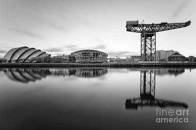 Cranes Photograph - Finnieston Crane Glasgow by John Farnan